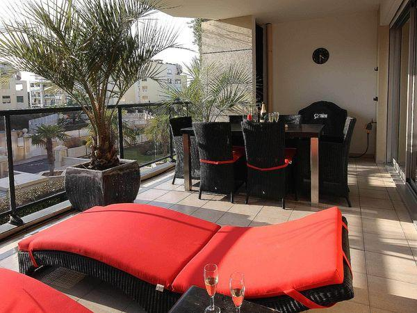 Requirements to balcony furniture