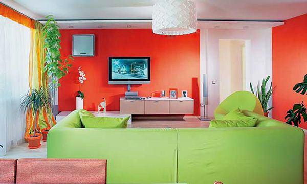 Color combinations in red living room in USA